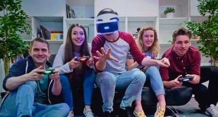 5G实现3D全息,VR和AR如果不能和手机结合,那有多大用处呢?